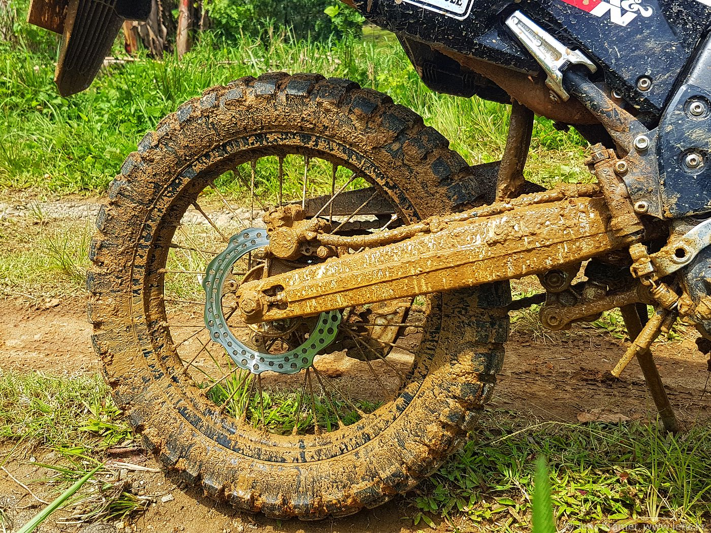 Shinko E-805 after 4,000km - still quite capable in deep mud